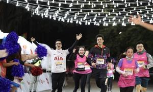 Những khoảnh khắc ấn tượng tại giải chạy đêm Hà Nội