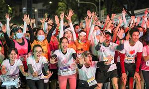 VnExpress Marathon Hanoi Midnight có thêm giải thưởng đồng đội