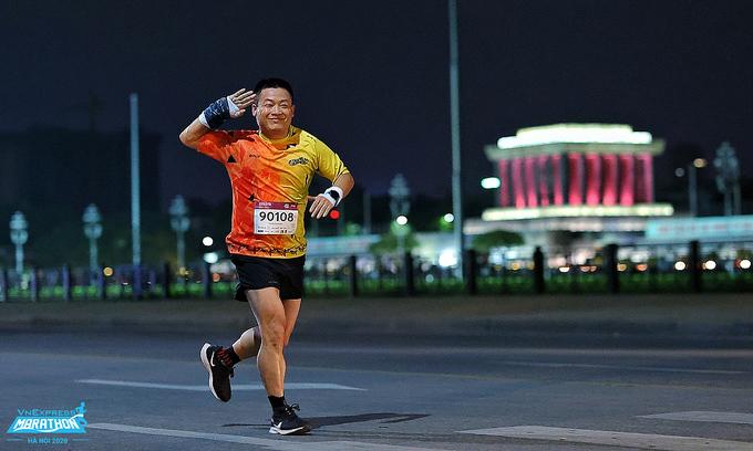 Giải chạy đêm Hà Nội giảm giá 28% cho nhóm trên 100 người