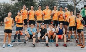 VM Hanoi Midnight hút các nhóm chạy hàng đầu thi đấu Đồng đội