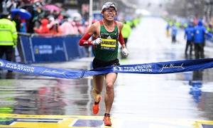Runner Nhật Bản chạy 100 lần full marathon dưới 2 giờ 20 phút