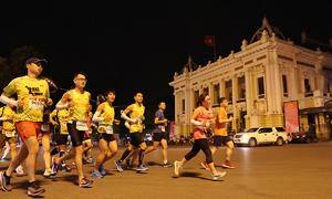 Còn 7 ngày đăng ký Đồng đội giải chạy đêm Hà Nội
