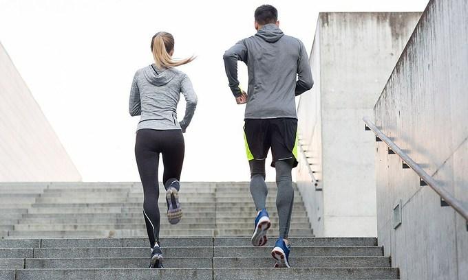Bài tập leo cầu thang - bí quyết tăng tốc độ và thể lực