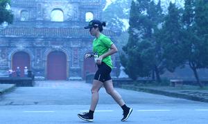 Tại sao runner cần giảm luyện tập khi thể lực sung mãn
